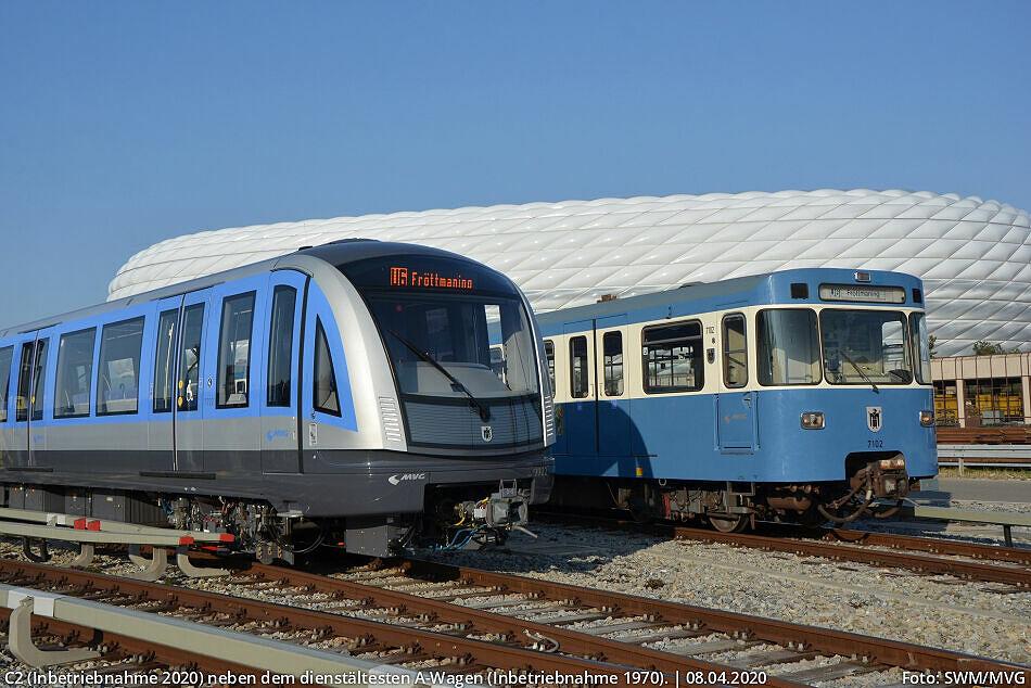 C2 (Inbetriebnahme 2020) neben dem dienstältesten A-Wagen (Inbetriebnahme 1970).