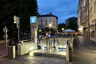 Zugang zum U-Bahnhof Lehel am St.-Anna-Platz
