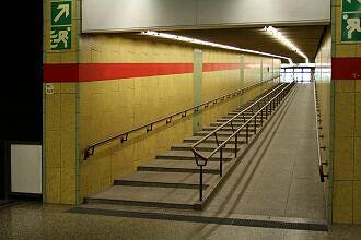 östlicher Aufgang des U-Bahnhofs Michaelibad