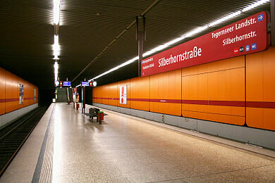 U-Bahnhof Silberhornstraße