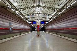 U-Bahnhof Harthof noch mit alten Anzeigern