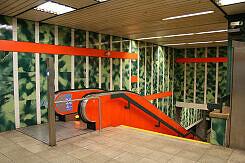 Sperrengeschoss im U-Bahnhof Petuelring