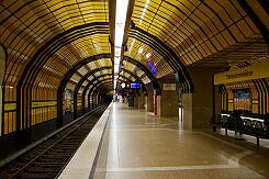 Gleis 1 im U-Bahnhof Theresienwiese