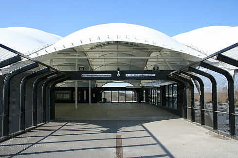 Nördlicher Zugang zum Bahnhof Fröttmaning