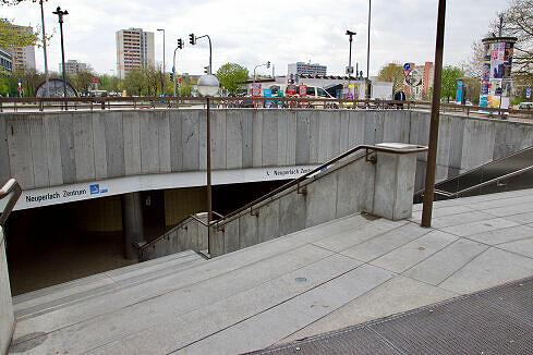 Zugang zum U-Bahnhof Neuperlach Zentrum