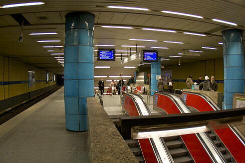 Abgänge zur U1/U2 am Sendlinger Tor