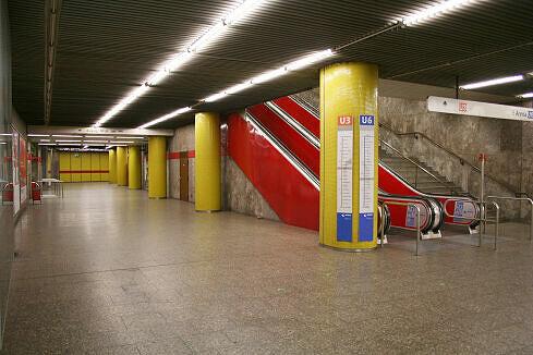 Querbahnsteig Sendlinger Tor mit Aufgang zur U3/U6