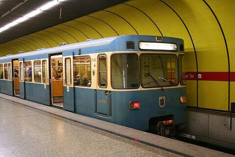 A-Wagen 348 am Sendlinger Tor