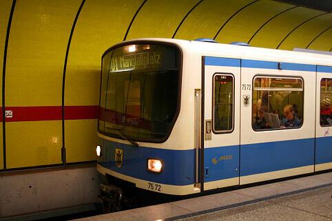 B-Wagen 572 am Sendlinger Tor