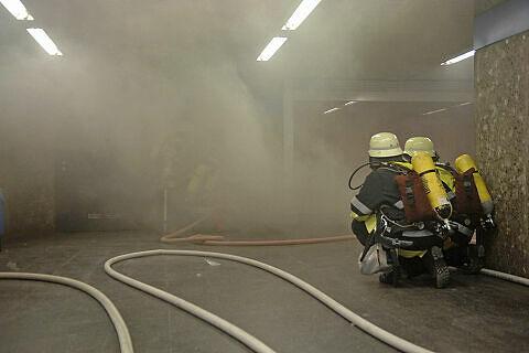 Feuerwehr im Einsatz am Goetheplatz  <br />Foto: Feuerwehr
