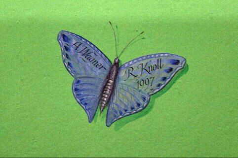 Schmetterling an der Bahnhofswand am Candidplatz