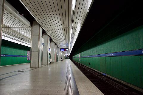 Wandbilder im U-Bahnhof Forstenrieder Allee