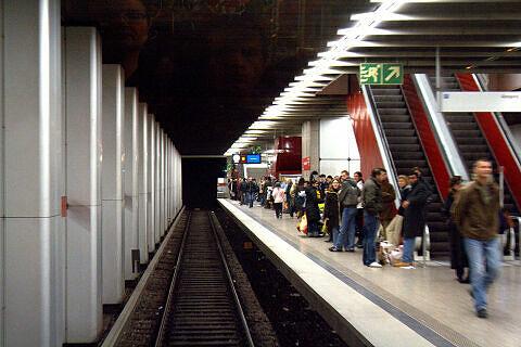 Einfahrt in den Hauptbahnhof
