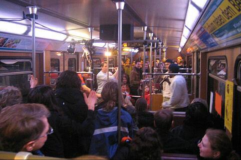 Slam Train - 10 Jahre Münchner Poetry Slam - Geburtstagsfeier in zwei B-Wagen als fahrender Bühne